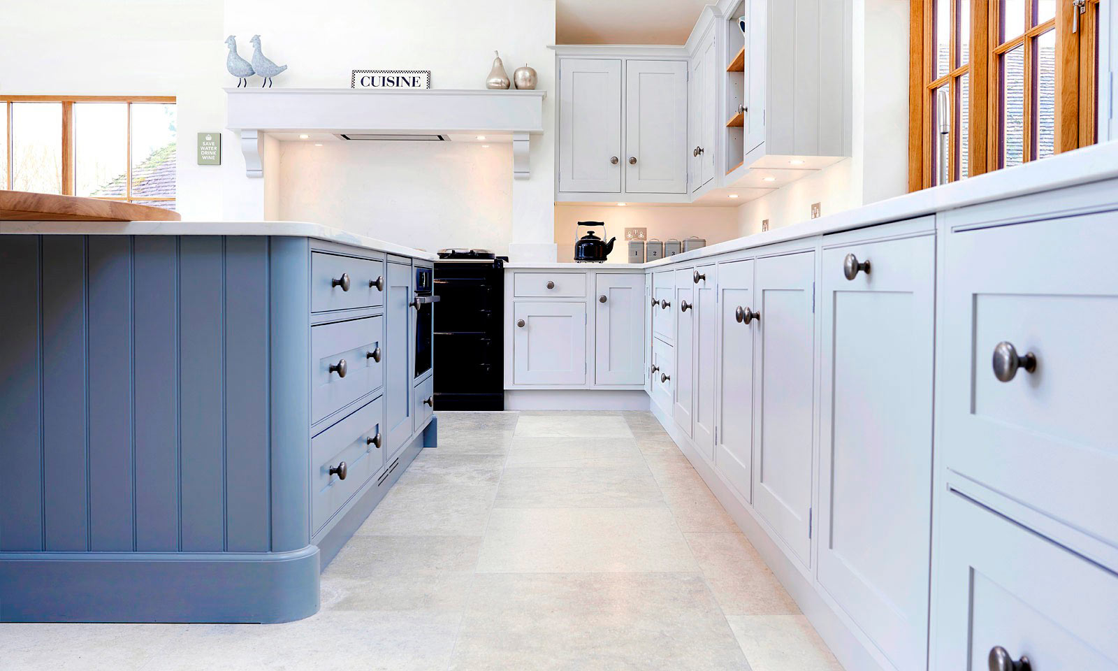 Biddenden. A classic handmade, hand-painted, Shaker style kitchen, installed in a large historic country villa. A bespoke hand-crafted kitchen manufactured by the skilled cabinet makers at Mounts Hill Woodcraft.
