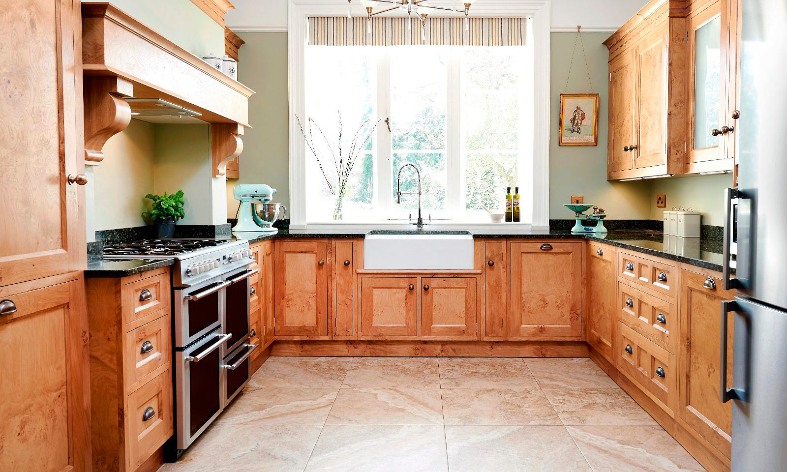 Pantiles. A classic handmade, hand-painted, Shaker style kitchen, installed in a grade II listed building. Built using solid European oak and finished in cluster oak veneer with granite worktops. Another hand-crafted kitchen manufactured by the skilled cabinet makers at Mounts Hill Woodcraft.