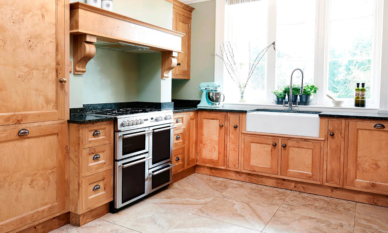 Pantiles | A bespoke, handmade, oak kitchen, designed and installed in Kent by Mounts Hill Woodcraft.