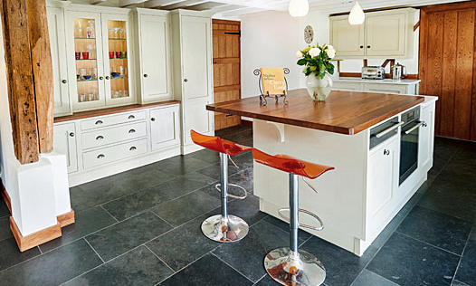 Golford | A bespoke, handmade, hand-painted, traditional shaker kitchen, designed and installed by Mounts Hill. (Taylor made, bespoke kitchens, fitted in Kent, Sussex & Greater London).