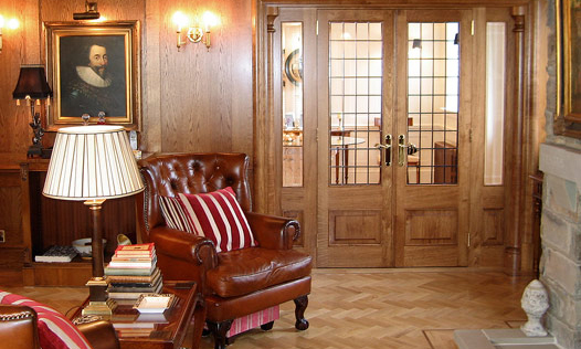 Oak Drawing Room. Custom made, hand-crafted joinery, by Mounts Hill Woodcraft.